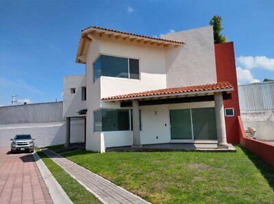Residencia en venta en condominio con solo 23 lotes en zona del pueblito con 251 m2 de terreno