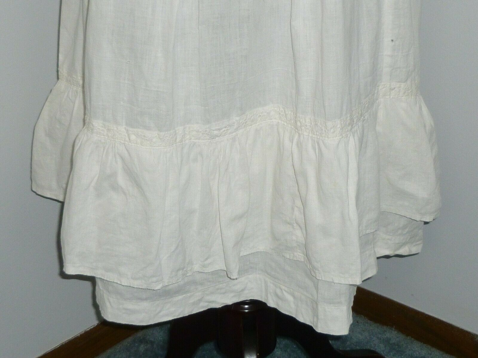 Antique LINEN Skirt~Embroidered Eyelet Lace Petti… - image 3