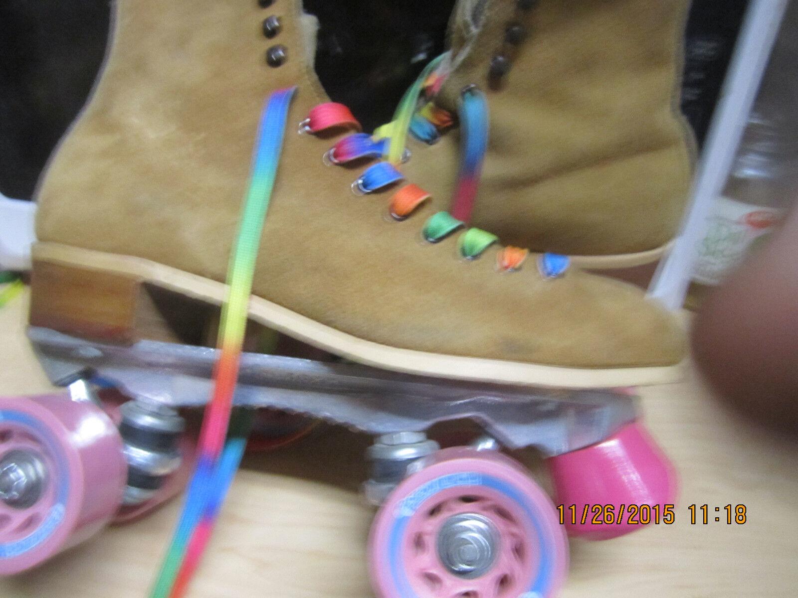 Women   Suede sz 9 Heel to toe  10  3 16  in .  width  3 in JUST FOR YOU