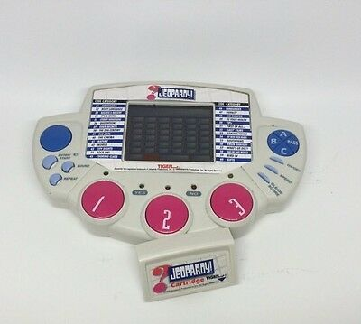 2019 Latest Design Tiger Electronics Jeopardy Trivia Quiz Handheld Video Game - Works 1999