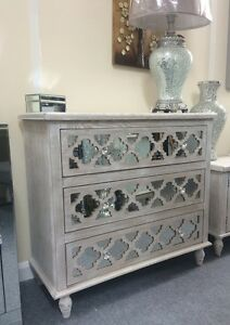 Washed Ash Wood Chest Of Drawers With Mirrored Front