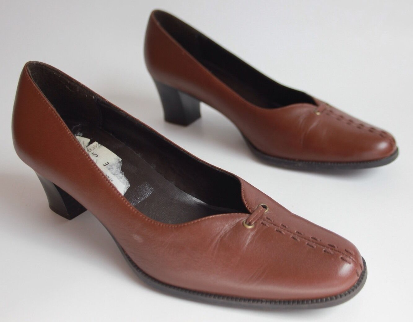 Clarks cushion soft womens mid heel leather shoes size 5