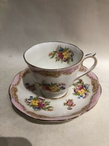 Vintage-Royal-Albert-Bone-China-England-Tea-Cup-amp-Saucer-Set-Pink-Lace-Floral