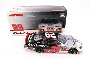 Kevin-Harvick-29-GM-Goodwrench-Daytona-Special-2005-Monte-Carlo-Action-1-24