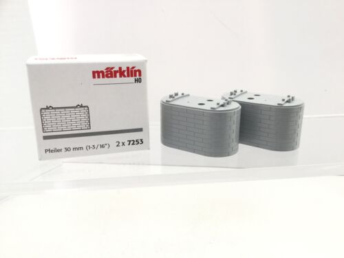 Marklin 7253 HO Gauge Pair of 30mm Brick Pillars
