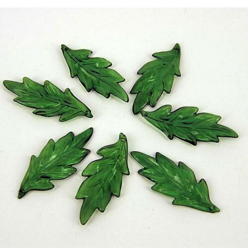 Beads CCB Green Holly Leaves x 25 PB24 Large Christmas