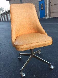 Fabulous Details About One Vintage Mid Century Space Chromcraft Orange Vinyl Swivel Kitchen Chair Unemploymentrelief Wooden Chair Designs For Living Room Unemploymentrelieforg