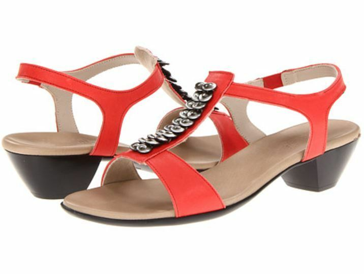 Munro Women's Coral Beige Slingback Sandals 1958 Size 9M  189