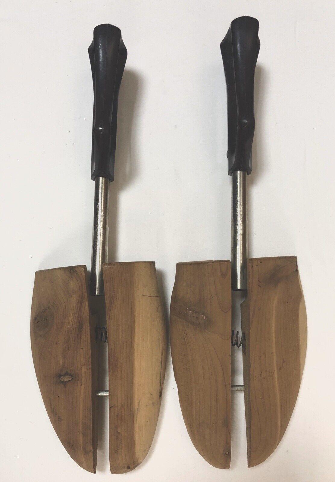 Cedar Rochester Shoe Tree Shoe Saver Adjustable Wooden; fits Large size shoes