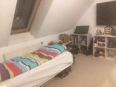 3400 værelse, kvm 9, mdr forudbetalt leje 4000