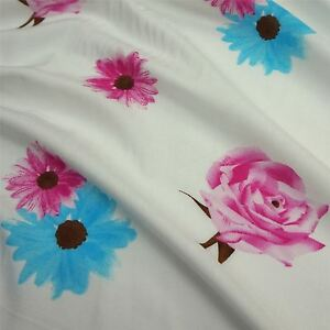 Per Metre Ivory 100 /% Viscose Fabric with Roses /& Daisies Print 2 Colours