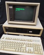 Vintage Compaq Personal Computer Deskpro 286 mhz, Keyboard & Monitor