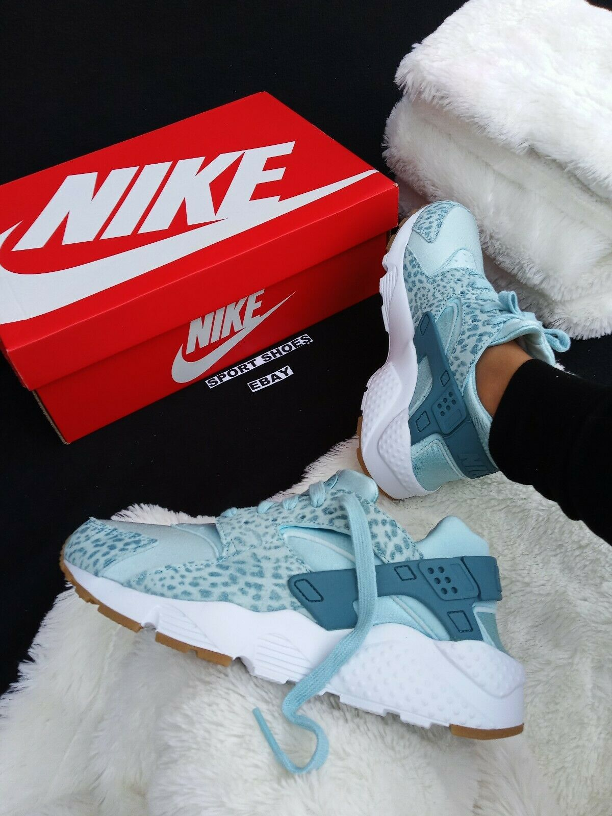 5Y   6 WOMEN'S NIKE HUARACHE RUN blueE  ANIMAL PRINT CLASSIC RUNNING WALK