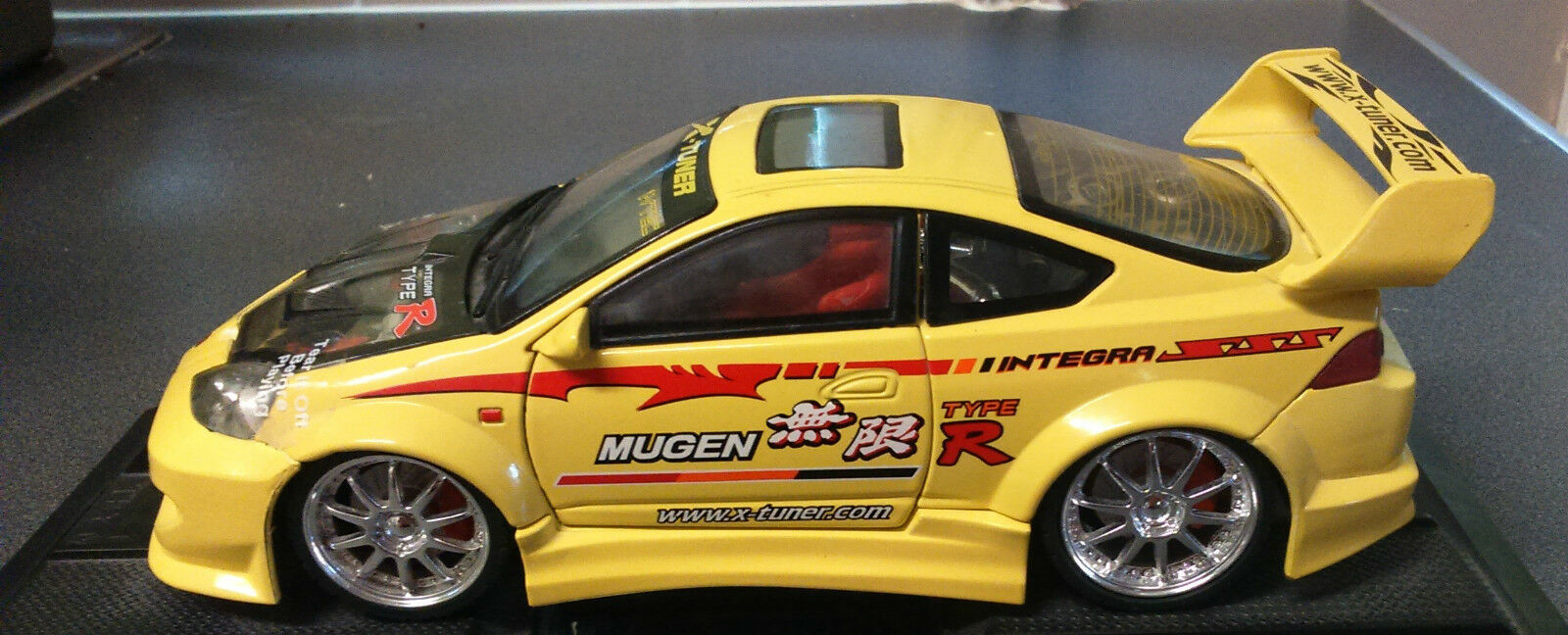 Honda Integra Type R (Mugen) in Yellow Scale 1 24
