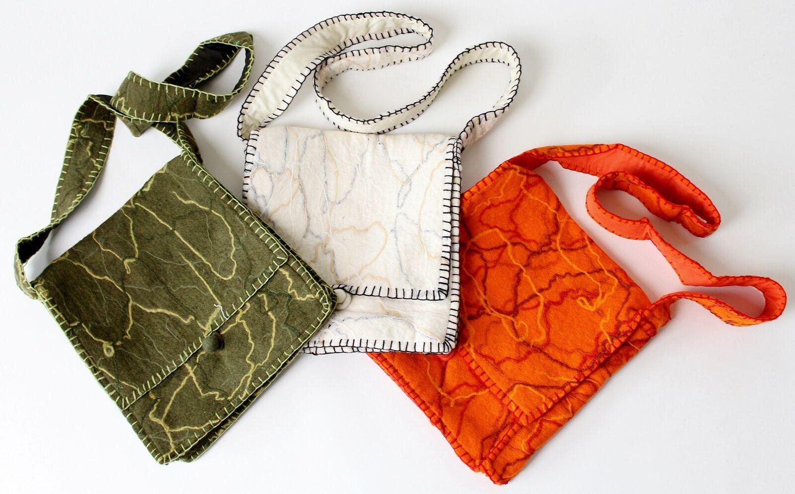 * Felt Bag from Nepal in 3 Colours dimensions: 30cm x 32cm Handmade Vintage Hippie-show original title