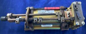 Schrader-Bellows-B53132018-2-500-Parker-B9322001-1-4VLV-150-Psi-Air-Motor