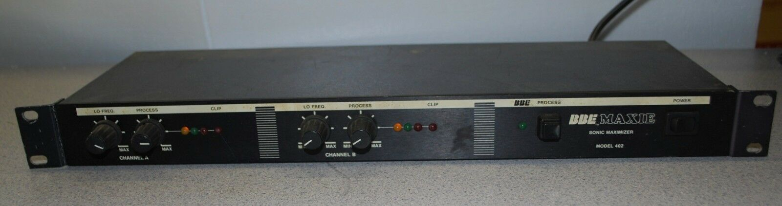 BBE MODEL 402 MAXIE SONIC MAXIMIZER RACK MOUNT UNIT-NICE-TESTED-SOUND ENHANCER