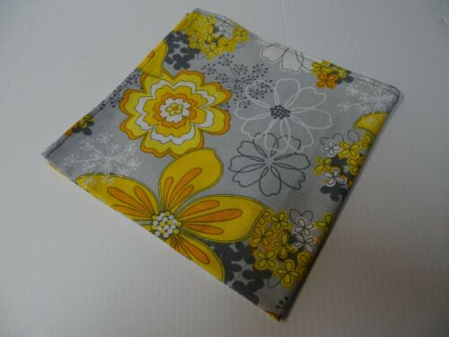 Mens Bow Tie Handkerchief 70/'s Style Oversized Vintage Style Grey//Yellow//White