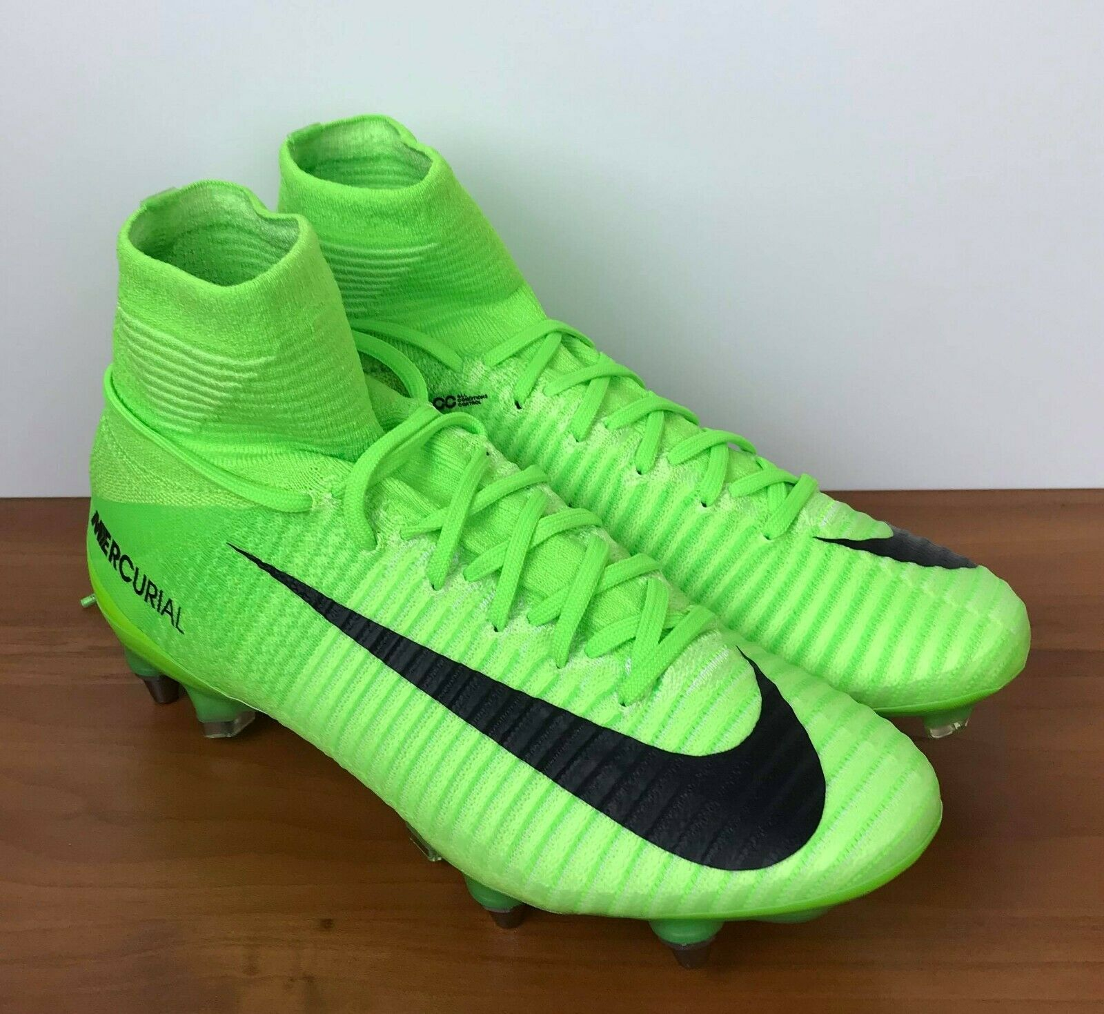 Nike Mercurial Superfly V 5 SG-Pro Green Soccer Cleats 831956-305 Men's Size 6