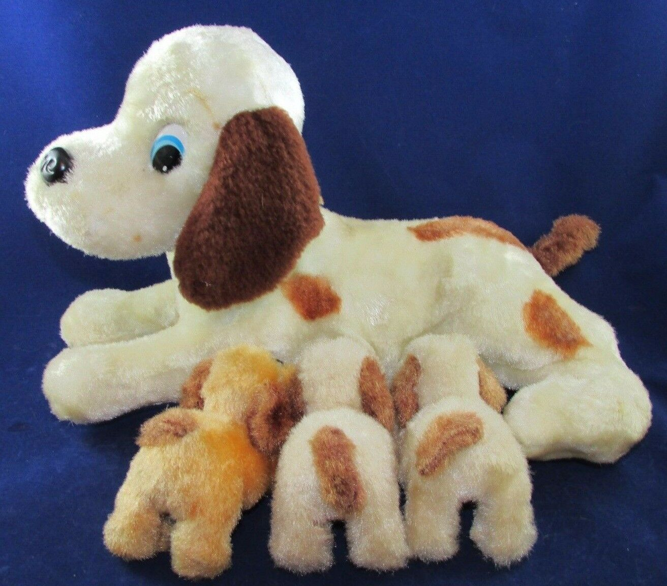 RARE Vintage Iwaya RVT Toy Nursing Mother Dog and Puppies