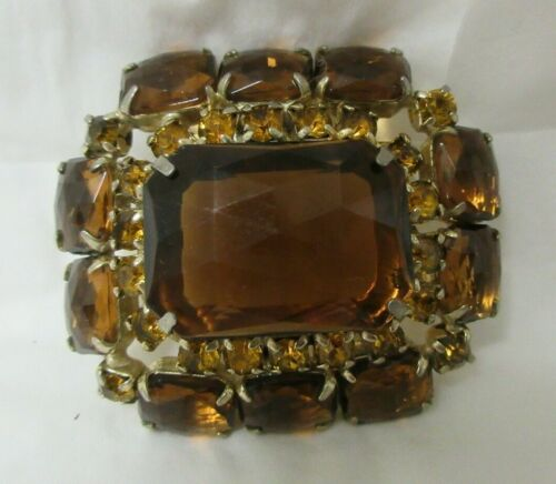 Details about  /Vintage Gold Tone Light and Dark Topaz Faceted Glass and Rhinestone Brooch