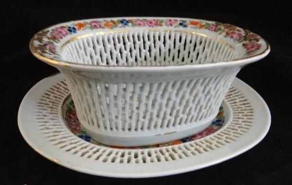 18c Chino Export Porcelana Perforado Ovalado Bowl & A Juego Platillo Modelado Duradero