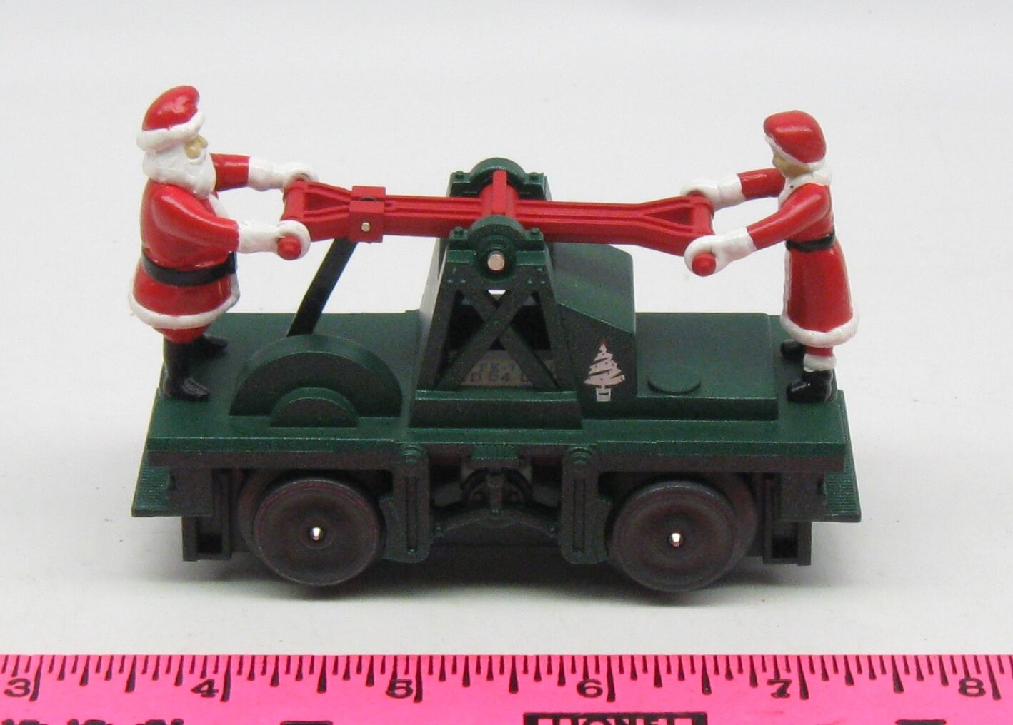 Lionel  Operating Santa handcar Mr. & Mrs. Claus