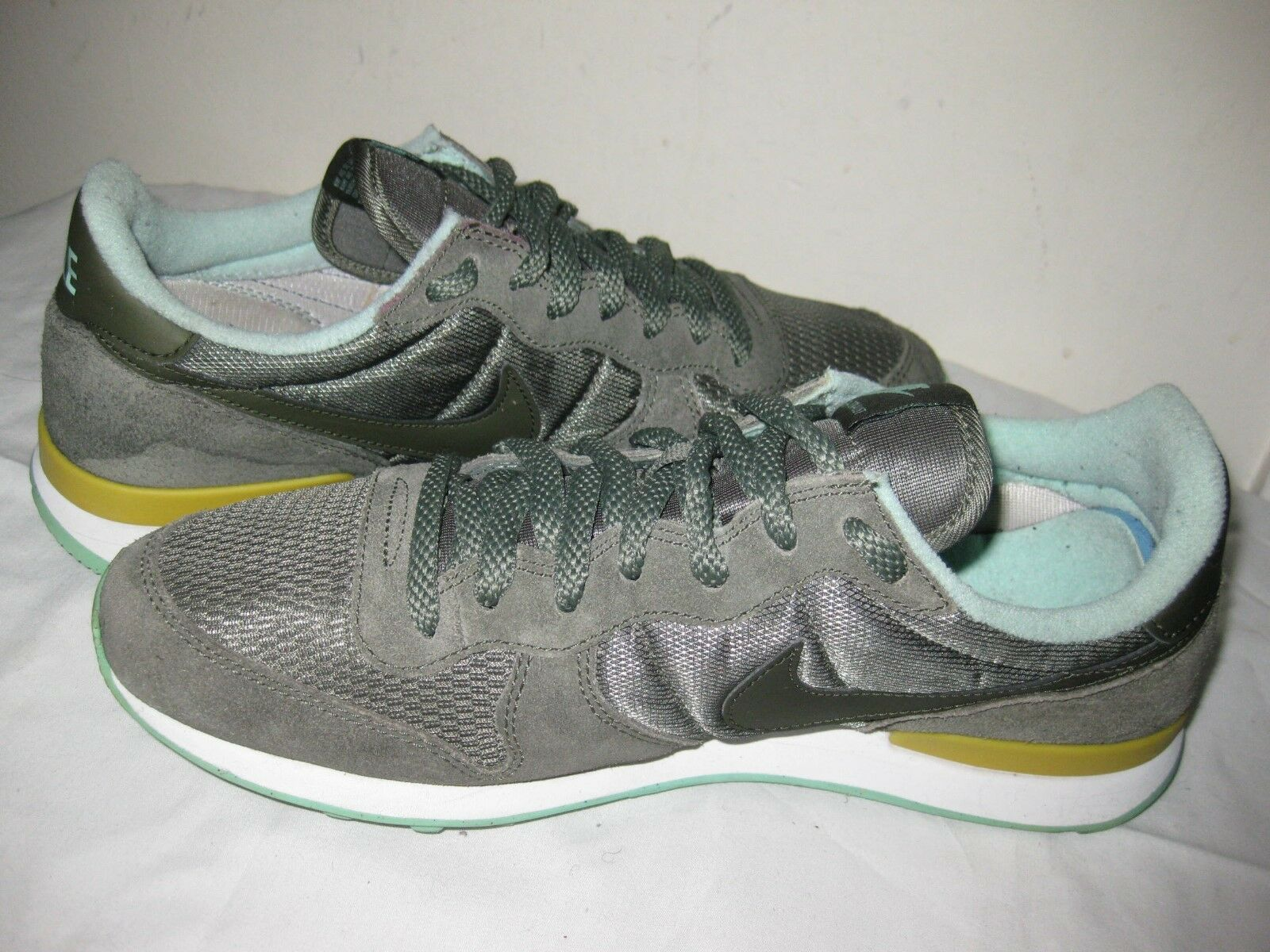 the latest 2cdf9 ff476 ... Nike Zoom Rival S 9 9 9 Women s Black White Solar Red Persian ...
