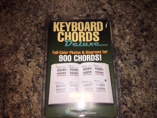 Keyboard Chords Deluxe Full-Color Photos /& Diagrams for Over 900 Chord 000311326