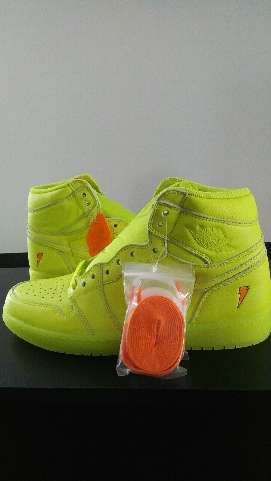 2017 Nike Air Jordan Retro 1 Gatorade Lemon Lime size 9.5 men AJ5997-345