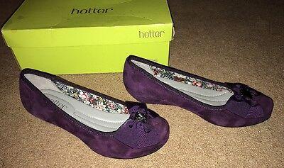 Más caliente pensamiento Ciruela Zapatos De Gamuza Pequeño Cuña Oculta Detalle De Moño UK 4 Nuevo