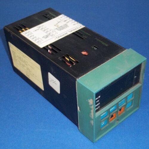 HONEYWELL TEMPERATURE CONTROLLER DC3005-0-000-1-FM-0111 *PZF*