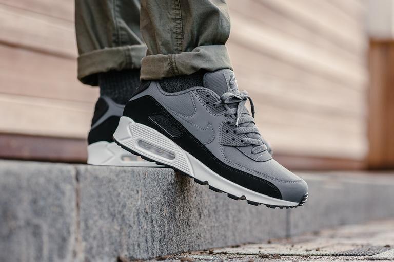 Nike Air Max 90 Essential black dark grey white 537384-085 Mens Sz 10