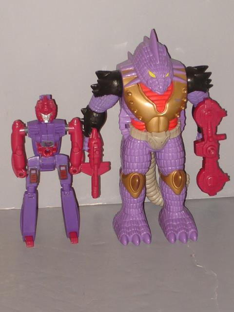 G1 TRANSFORMER DECEPTICON PRETENDER IGUANUS COMPLETE LOT  LOTS OF PICS""