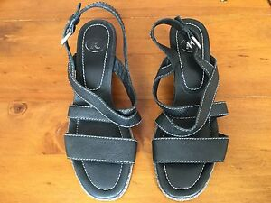 1106deaec34f K By Clarks Ladies Black Sandals Size 5. Great Condition.