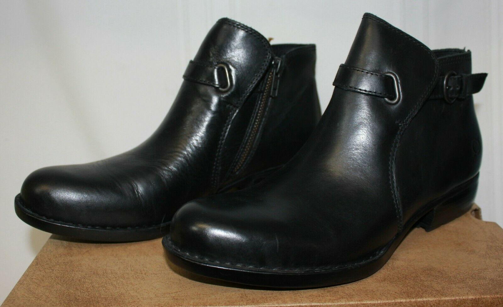 Born Women's Jem Jem Jem shooties Black Leather boots size 8 New with box 942b1a