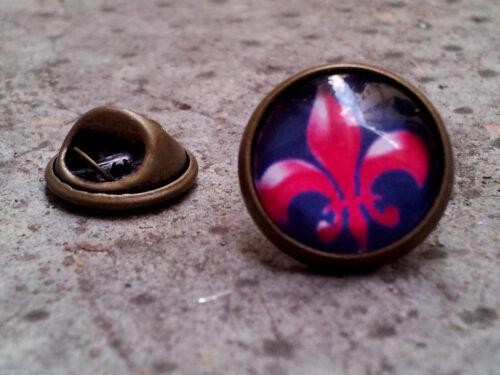 PIN/'S ASPECT BRONZE FLEUR DE LYS LIS GOTHIC ROYALISTE bouton épinglette
