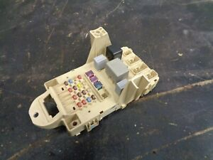 Details about Toyota Yaris 1.0 VVTi fuse box on