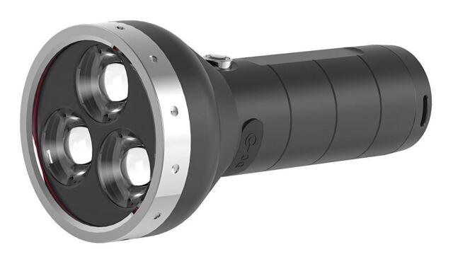LED LENSER MT18 Lampe de poche spitzwassergeschützt 3000LM PHARES 500m