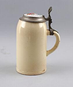 8348046-Antiker-Bierkrug-Porzellandeckel