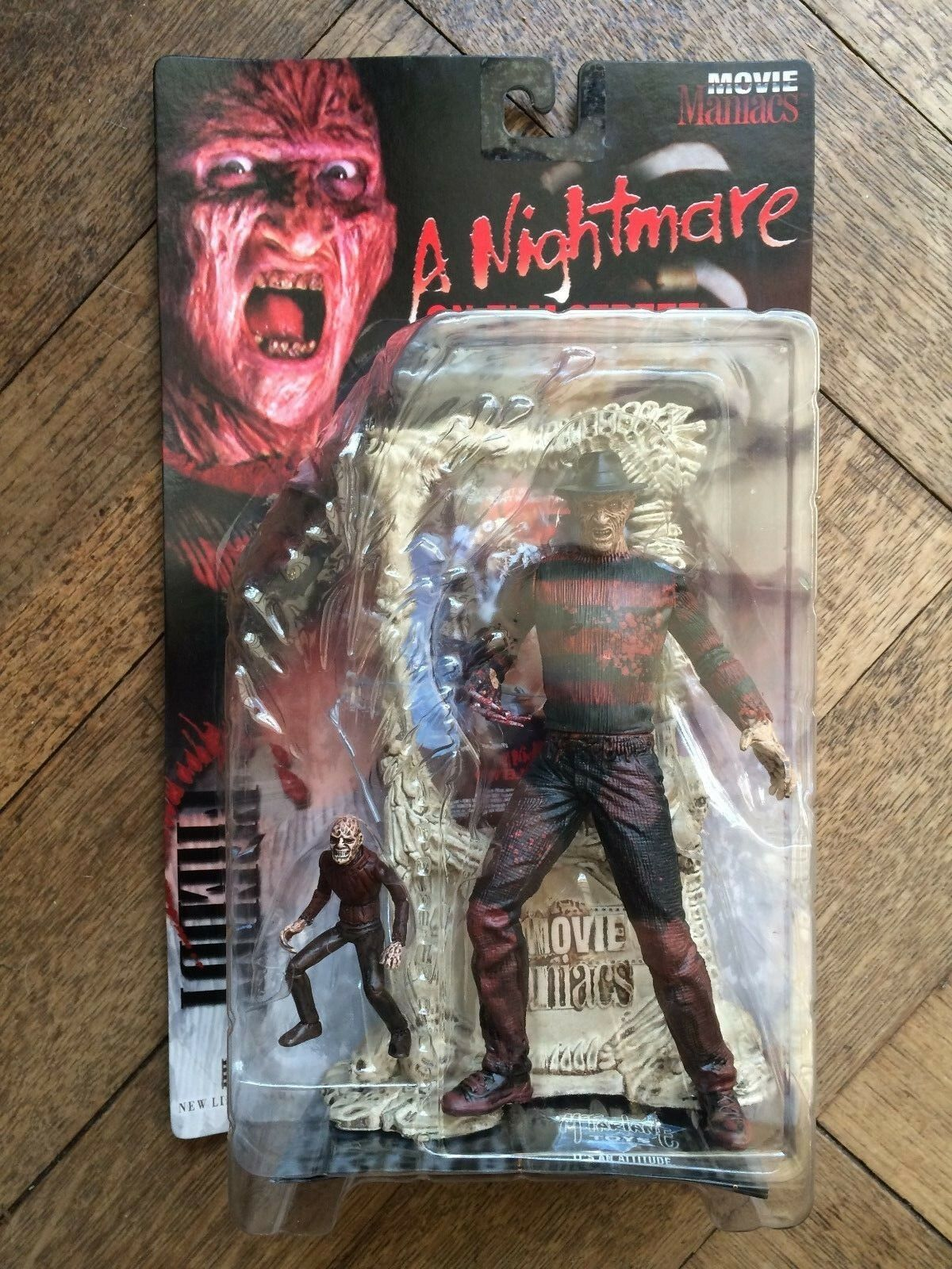 McFarlane MOVIE MANIACS FrotDY KRUEGER  Bloody variant variant variant WAS  NOW 6fe57b
