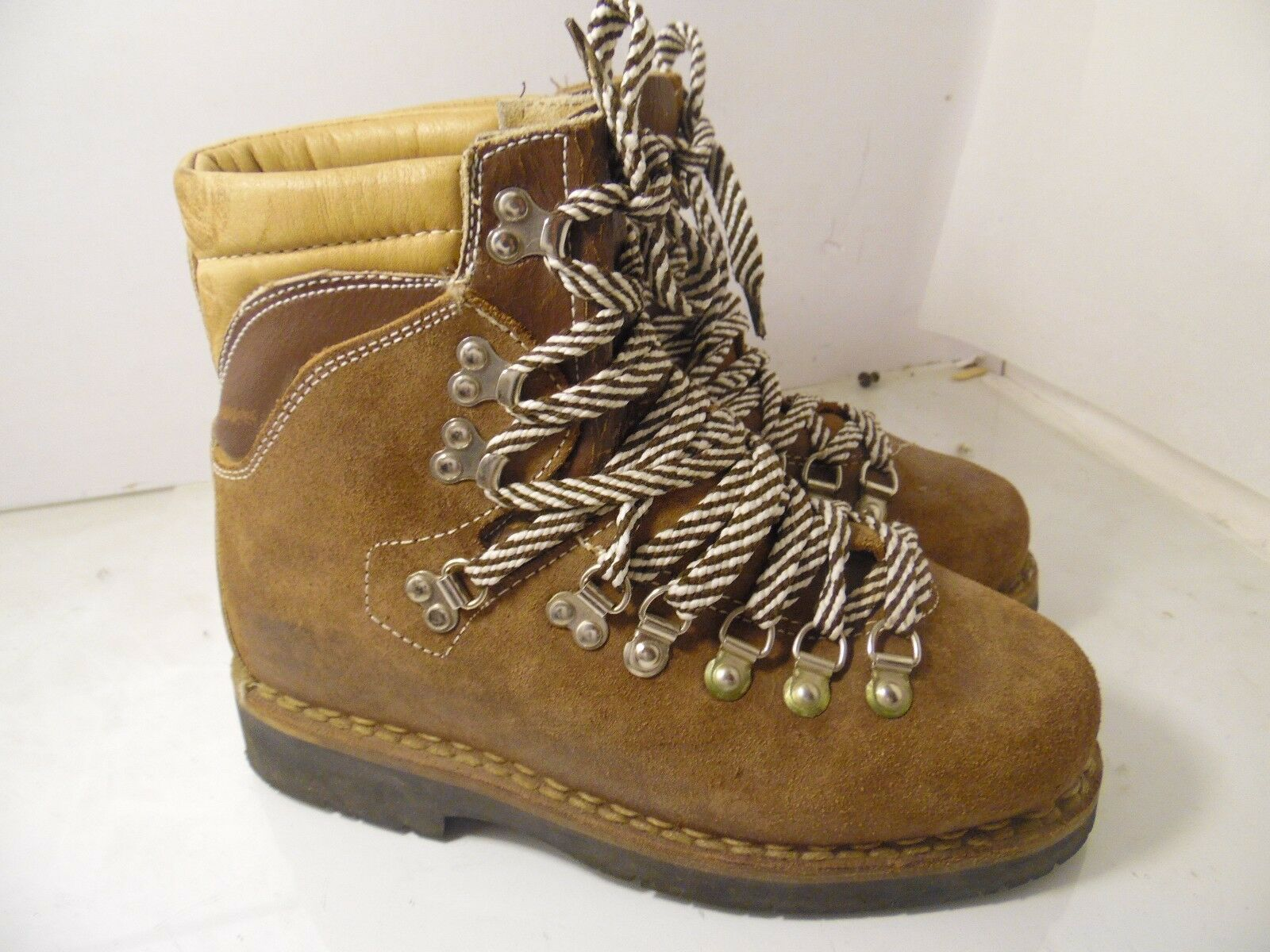 Unbranded Mountaineer Brown Suede Womens Size 6.5 Made in
