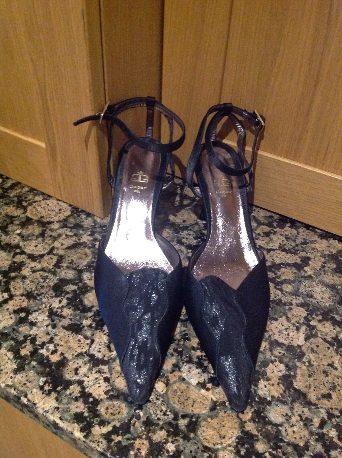 CLASSY GALPER PIEL STRAPPY SHOES/UK SIZE5/WORN BARELY/ GREAT CONDITION