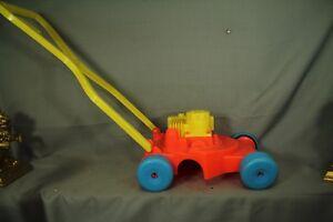 Vintage-old-push-Toy-Lawn-mower-Steven-mfg-Hermann-Mo-USA-plastic-lawnmower
