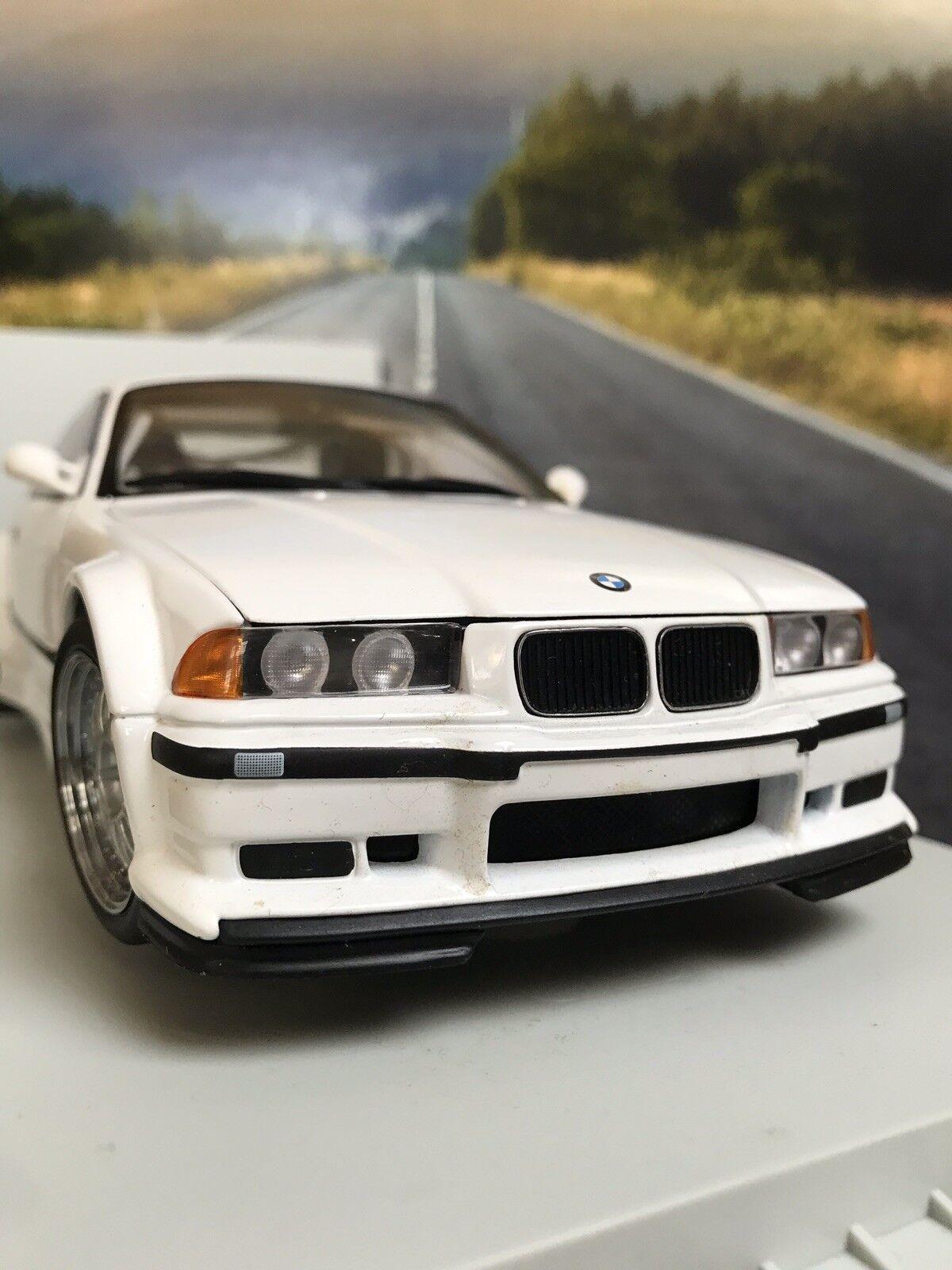 UT BMW M3 E36 GTR WHITE 1 18 Perfect With Rare( Box Has Minor