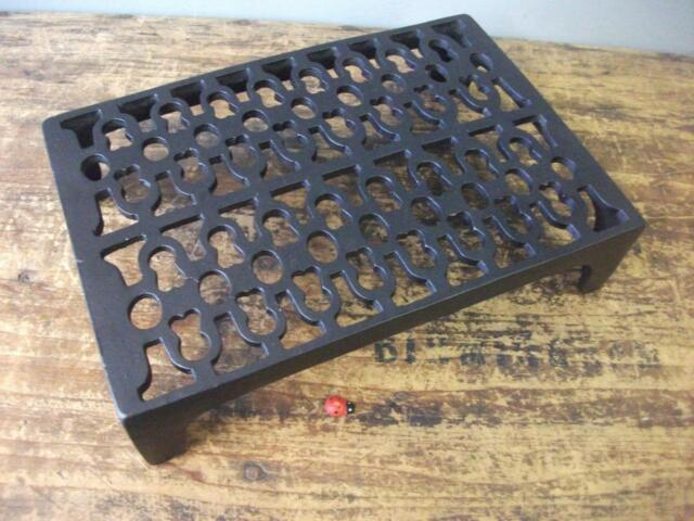 Quality Cast Iron air Brick Vent 9 x 6  improved Victorian Pattern powder coated