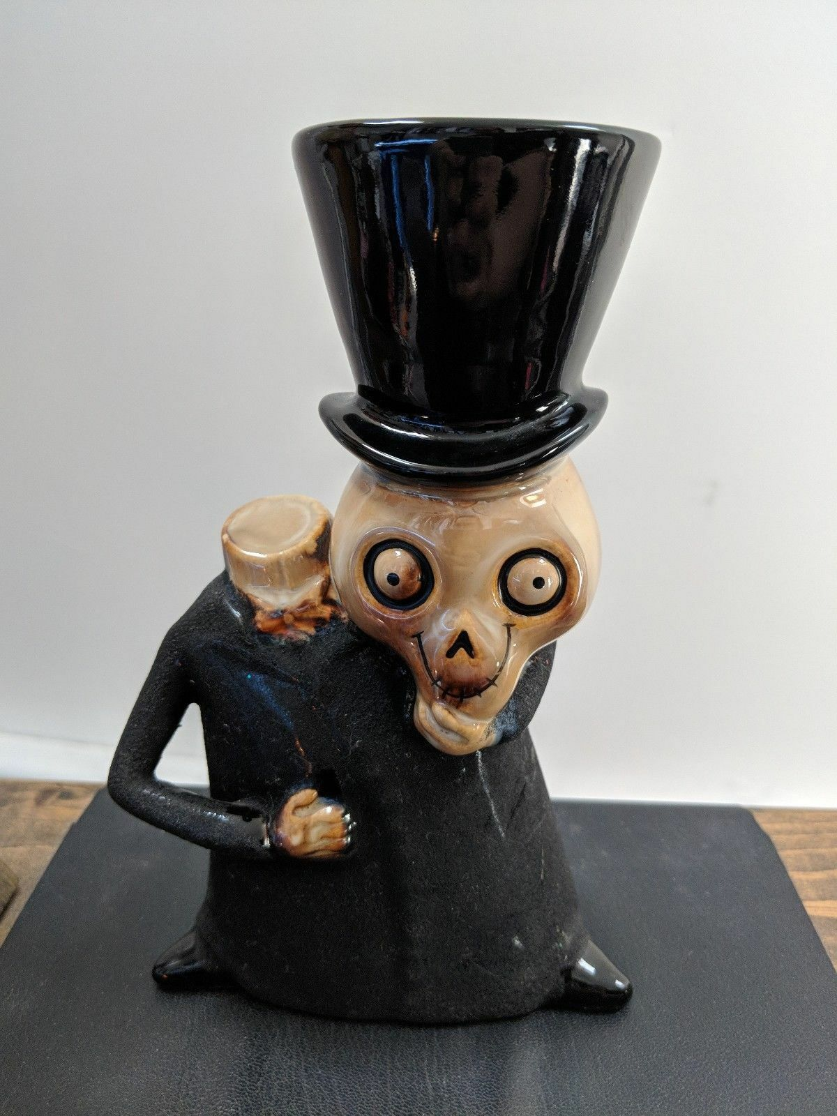 Yankee Candle - Rare HTF 2008 Boney Bunch - Headless Skeleton Holder - Halloween
