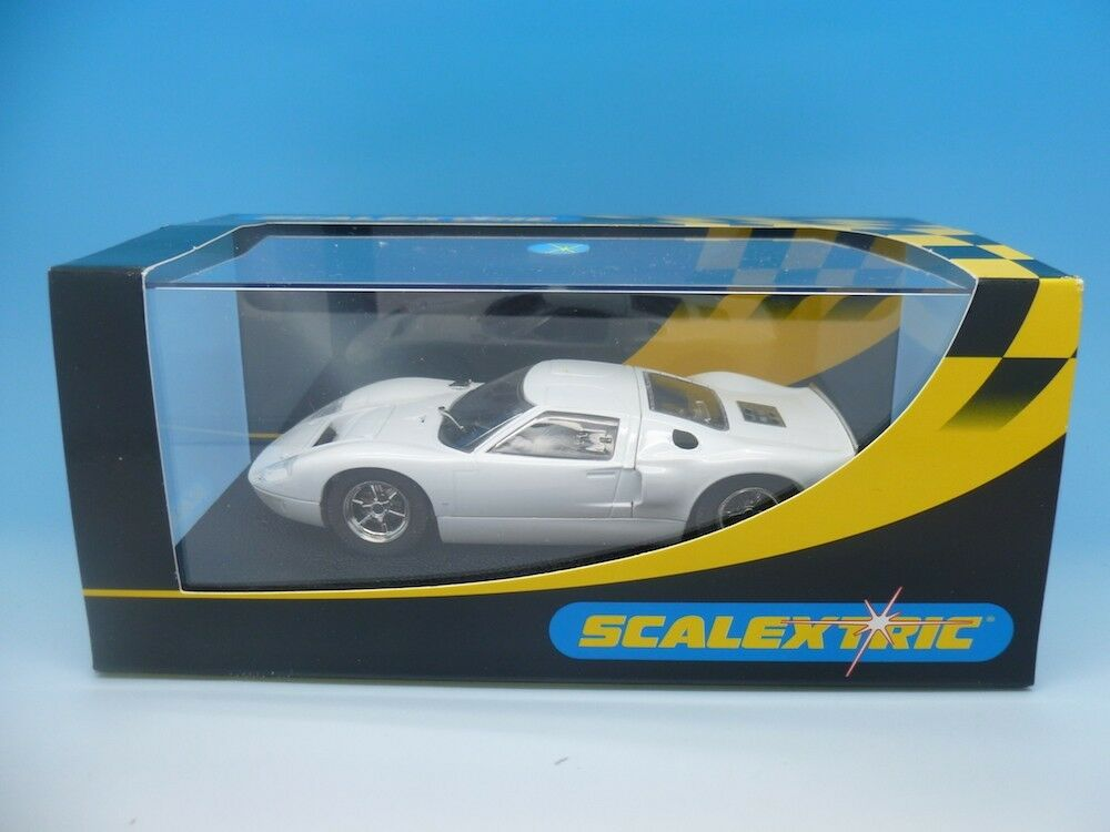 Scalextric - C2472 Ford GT40 Plain White - NEW