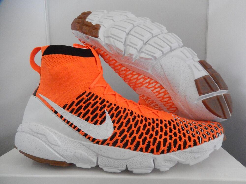 NIKE AIR FOOTSCAPE MAGISTA SP TOTAL ORANGE- blanc -Noir  Chaussures de sport pour hommes et femmes