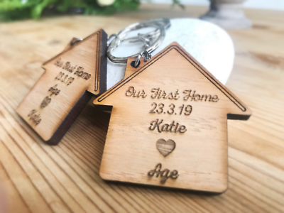 2 x PERSONALISED KEYRINGS OUR FIRST HOME WOODEN OAK GIFT HOUSE WARMING